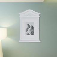 Biała szafka na klucze z ramką na zdjęcie