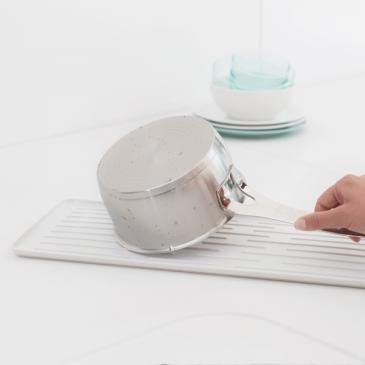Kompaktowa suszarka do naczyń Sink Side Brabantia jasnoszara