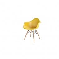 Krzesło P018W PP dark olive, drewniane nogi HF