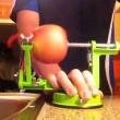 Obierak do jabłek Zassenhaus czerwony ZS-072037