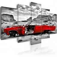 Obraz - Czerwony samochód w stylu retro na Pustyni Kolorado - 5 części (100x50 cm)
