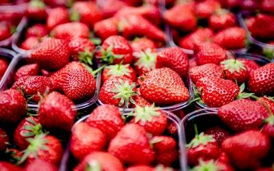 Sezon na truskawki - co zrobić z truskawek?