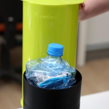 Zgniatarka do butelek, puszek i kartonów Omega Meliconi zielona